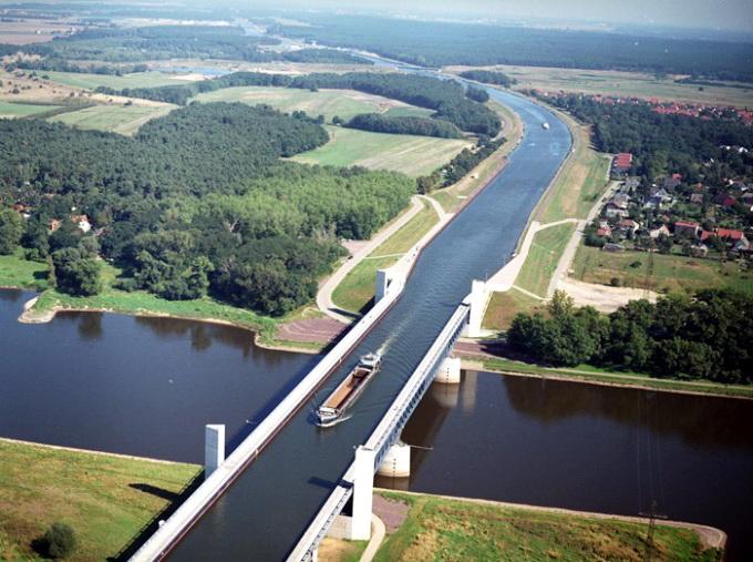 magdeburc5a1ki-vodeni-most-plovni-akvadukt-u-nemac48dkoj-1