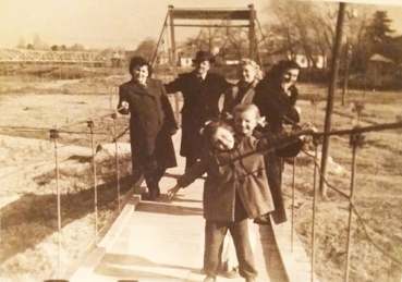 Viseci most na uscu Ravanice