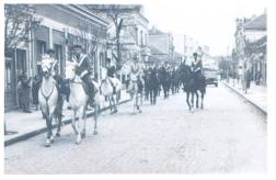 Коњички клуб Ћуприја на челу параде
