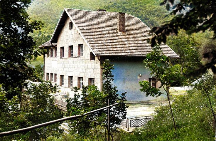 planinarski dom na Grzi